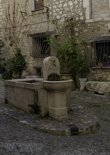 Saint Paul de Vence fountain
